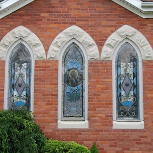 First Baptist Church, windows